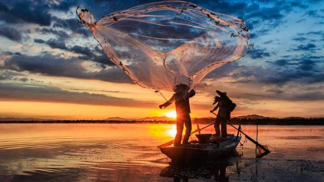 cast-fishing-net